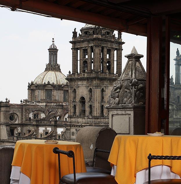 Hotel Majestic, Bar Campanario